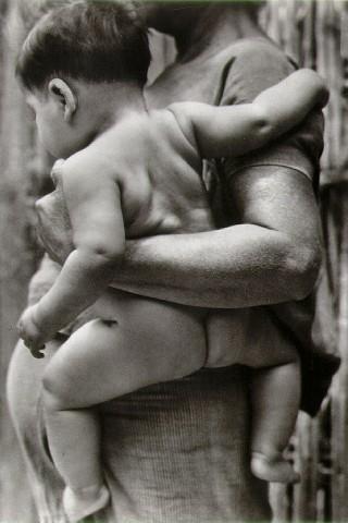 modotti_mother_child.jpg